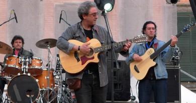 Massimo Ferrante al centro della foto - Musicista)