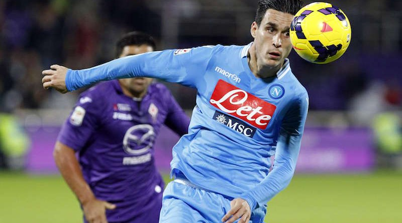 Napoli's Jose Maria Callejon looks at the ball as he runs during their Italian Serie A soccer match against Fiorentina at the Artemio Franchi stadium in Florence October 30, 2013. REUTERS/Giampiero Sposito (ITALY - Tags: SPORT SOCCER)  Picture Supplied by Action Images