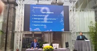 foto prof. Pignatelli durante il congresso