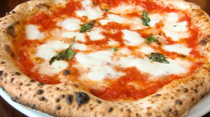 20140712-spacca-napoli-margherita-pizza