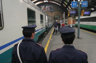 treno_polizia_inf