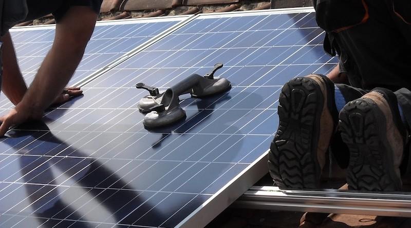 solar-panels-944002_960_720