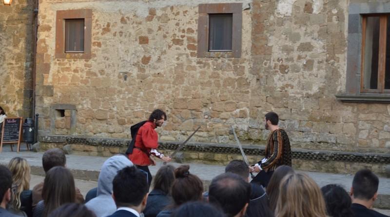Franco Nappi in unoi dei proverbiali duelli di Romeo e Giulietta
