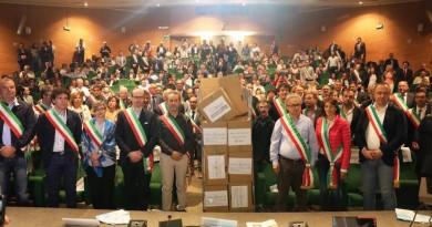 La protesta dei sindaci di Asmel contro l'accorpamento coatto