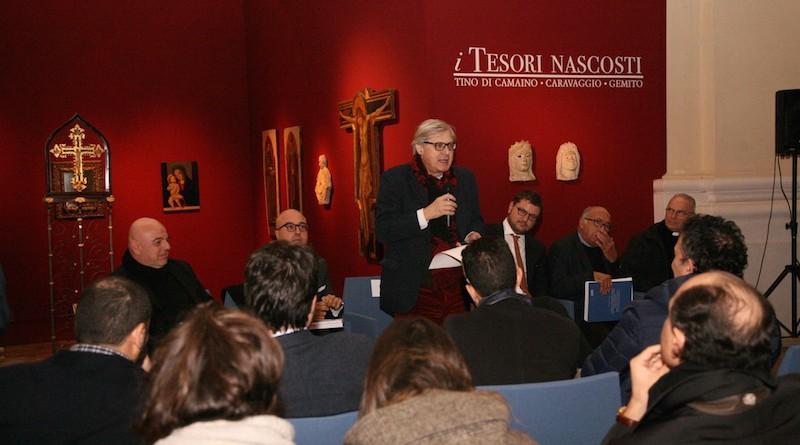 Presentazione catalogo Mostra i Tesori Nascosti_da sx G.Filippini, A,Cesaro, V. Sgarbi, G. Migliore, N.Spinosa, V.De Gregorio_foto GianniRiccio