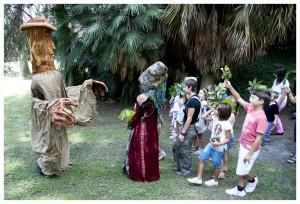 """Il popolo del bosco - spettacolo itinerante per l'infanzia di G. Facciolo - Real Orto Botanico di Napoli Produzione """"I Teatrini"""""""