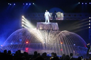 Il grande finale acquatico del Circo Americano (Foto Enzinger)