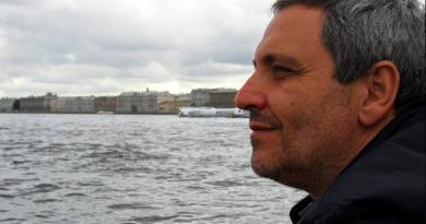 «Napoli mi racconta le sue storie»