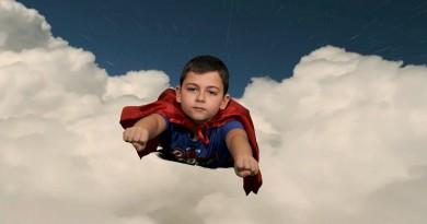 Vola in rete il supereroe di Ceppe, il video del singolo è già virale