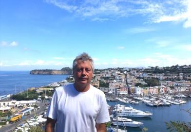 """Con Alessandro Baricco """"MARetica"""" a Procida tra narrazione, ambiente e musica"""