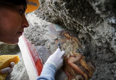 Leda e il Cigno, a Pompei un'altra immagine femminile tra gli scavi della Regio V