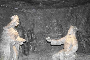 la statuta di sala di Santa Kinga