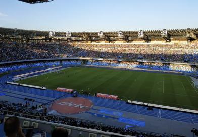 Mertens fa il fenomeno con la Samp e il Napoli accorcia sulla Juve