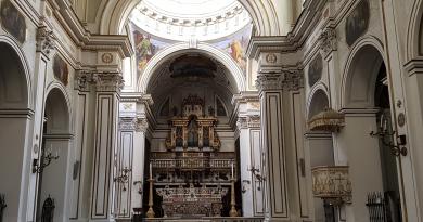 I giovani riaprono la monumentale chiesa di Monteverginella nel centro antico di Napoli