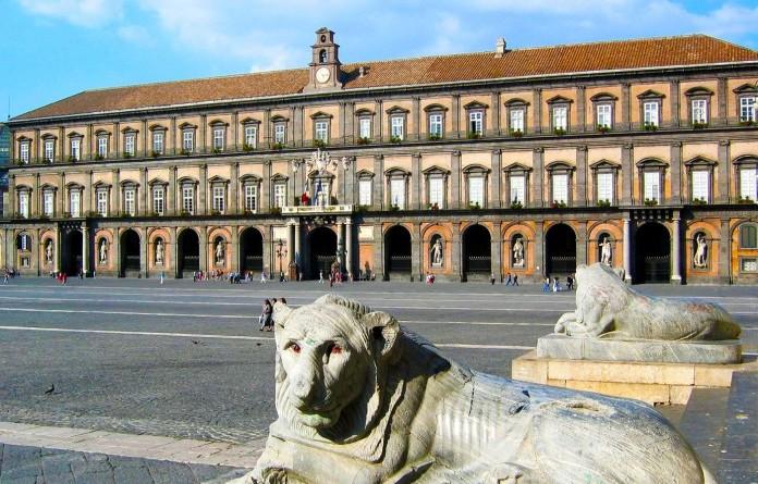 palazzo-reale-napoli-696x527