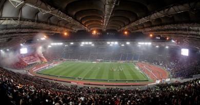 """Panoramic view of the Olimpic stadium Panoramica dello stadio Olimpico Roma Lazio 1-0 Roma 6/12/2009 Stadio """"Olimpico"""" Campionato Italiano di Calcio Serie A 2009/2010 Foto Gigi Avvisati Insidefoto"""