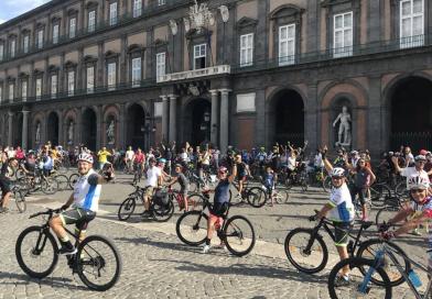 Napoli in bici, la festa delle due ruote